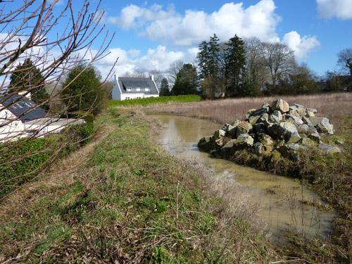 L'eau menace l'habitat voisin