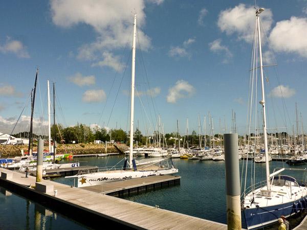 On compte facilement les gros bateaux à Port Laf : 1, 2, 3, 4 !