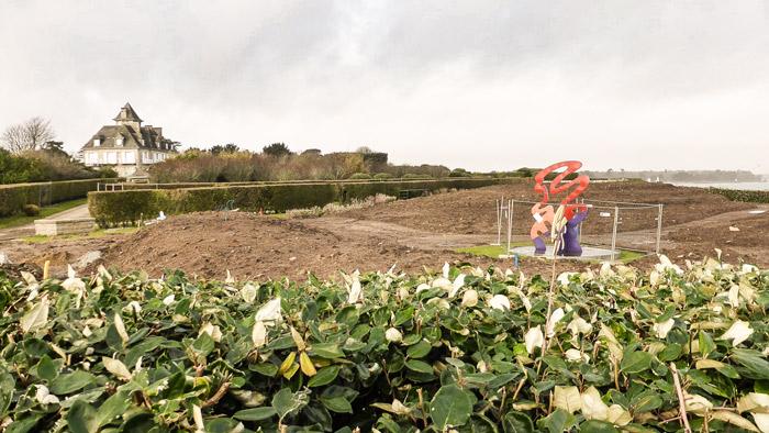 Photo 01 : des m 3 de terres déplacées illégalement ?