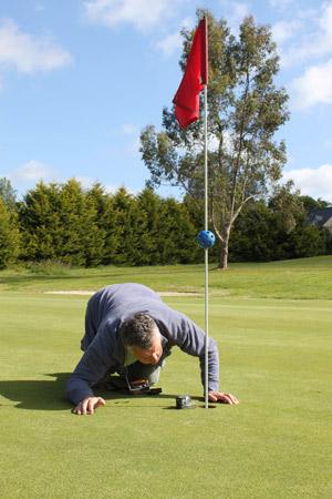 Vraiment pas terrible le style de ces nouveaux adeptes du golf !